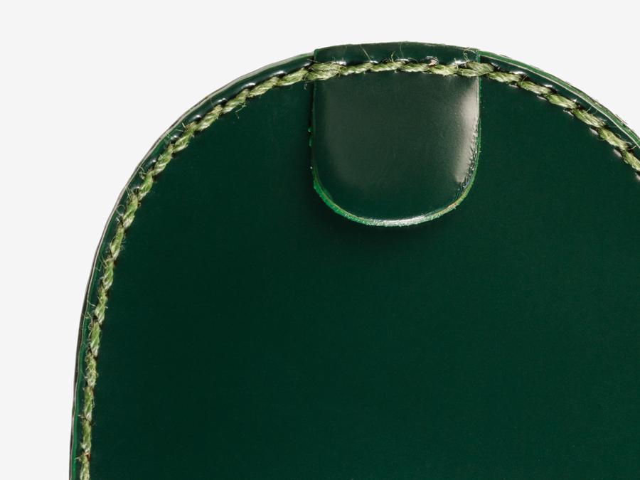 品質の良さが際立つ職人の手縫い