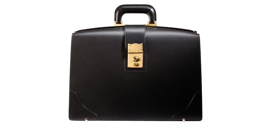 一流の紳士が持ちこなせる一級品鞄。紳士のための最高級鞄ダレス